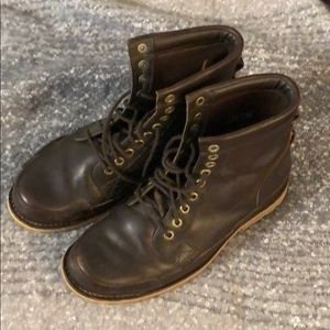 Timberland boots 🥾 dark brown size 10